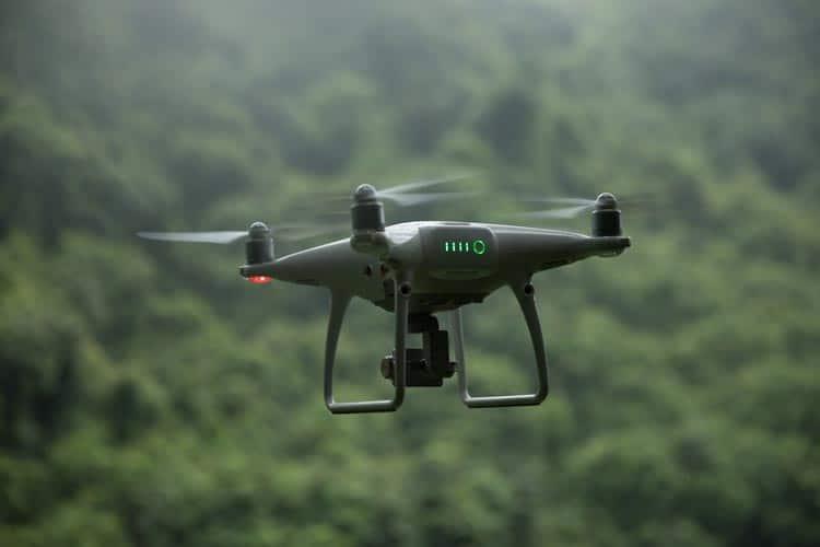 使用gTHIRA和无人机进行风险和脆弱性评估的优势